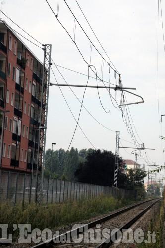 Nichelino, cavi tranciati sulla ferrovia e lavori in corso
