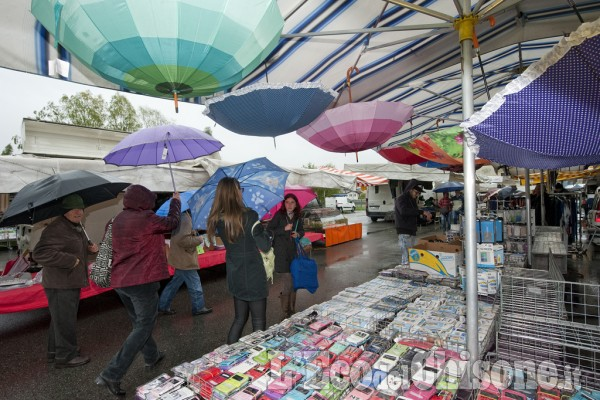 Luserna s g fiera del 1 maggio l 39 eco del chisone - Si puo portare l ombrello in aereo ...
