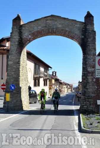 Frossasco sopralluogo con i ciclisti Jacopo Mosca, professionista , e Umberto Marengo,