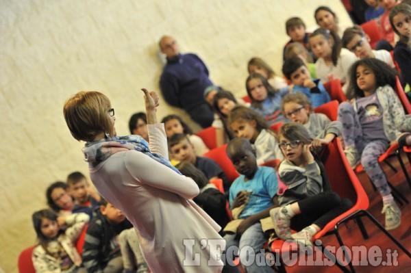 A Pinasca anteprima del 25 Aprile per i bambini con il Gruppo teatro Angrogna