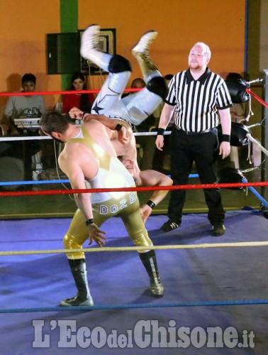 A None, show internazionale di wrestling
