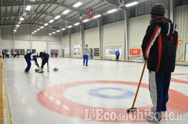 Curling: I giovani dell Africa First Curling Team