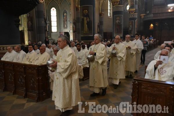 Pinerolo : La Santa Messa del Crisma