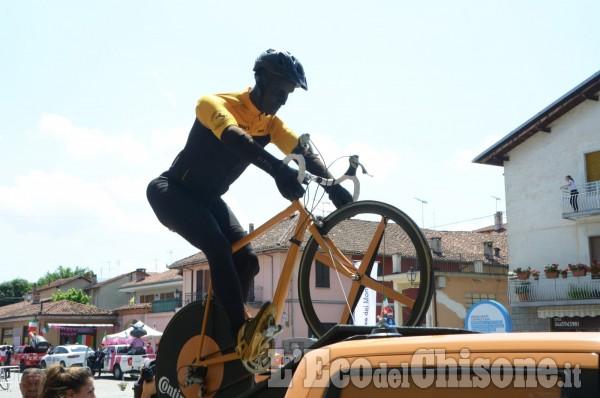 Giro d'Italia a Revello: il passaggio dei corridori