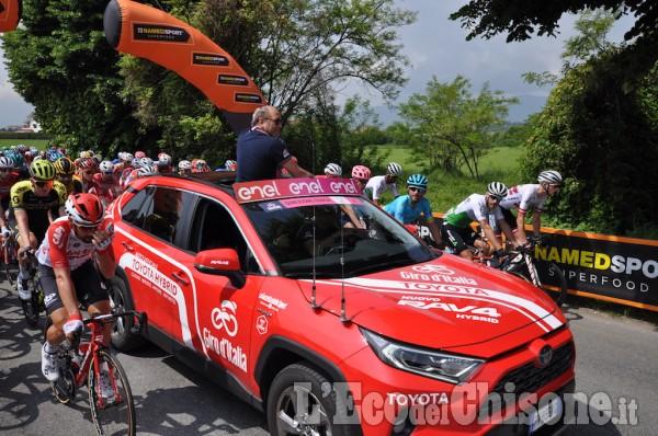 Giro d'Italia 2019: la partenza della tappa Pinerolo-Ceresole Reale