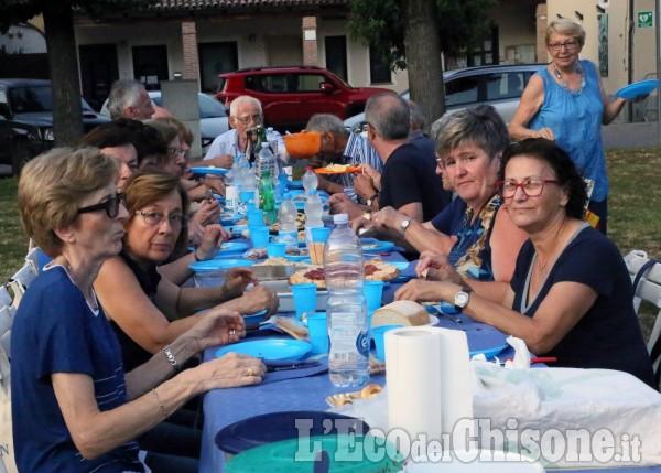 Osasio: 300 commensali alla cena in blu