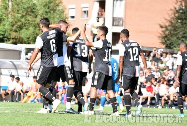 Calcio la Juventus a Villar Perosa