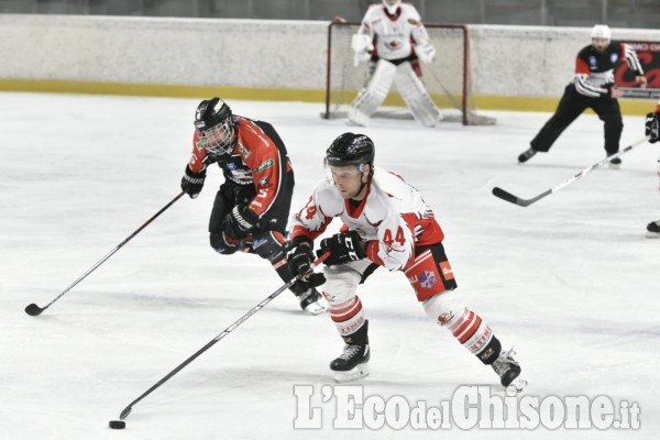 Le prime immagini della attesa serata dì hockey ghiaccio a Torre
