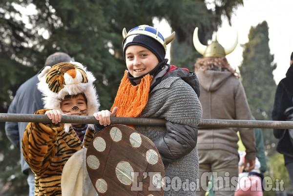 A Cumiana è ritornato il Carnevale con la sfilata dei carri