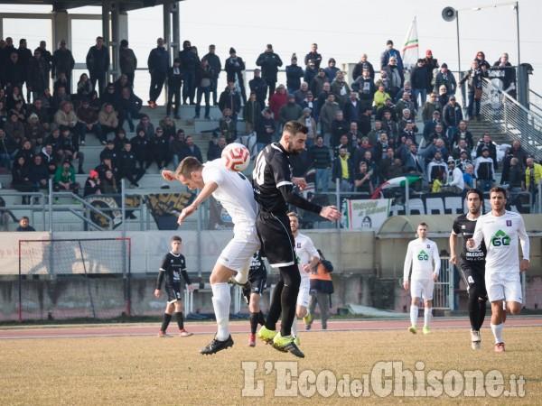 Calcio: il big match Saluzzo-Derthona termina con un pareggio a reti bianche