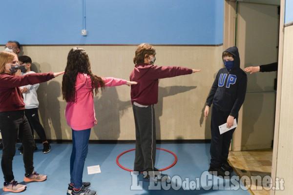 Perosa: ritorno in aula per l'ultimo giorno di scuola