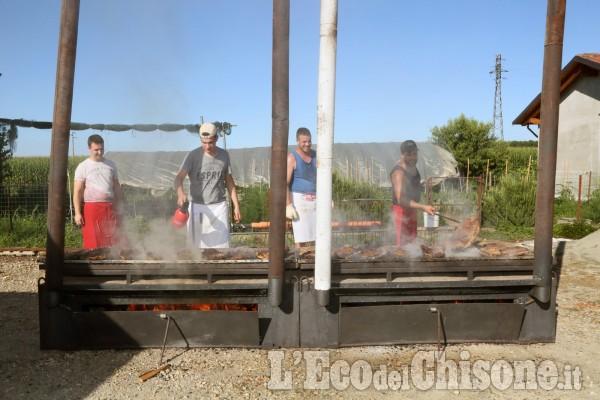 Castagnole,  Festa patronale in versione ridotta, carne take-away dalla Pro Loco