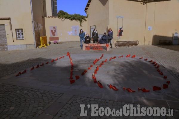 """None: """"L'amore non uccide"""", l'iniziativa delle donne nonesi in piazza Donatori di Sangue"""