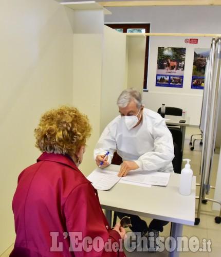 La prima giornata di apertura del nuovo Centro Vaccinale di Pinerolo