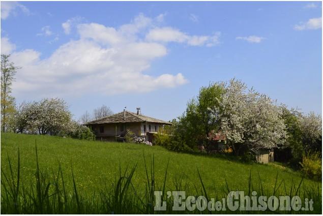 Scarpinando zaino in spalla: a Prarostino, la conca verde del Pinerolese