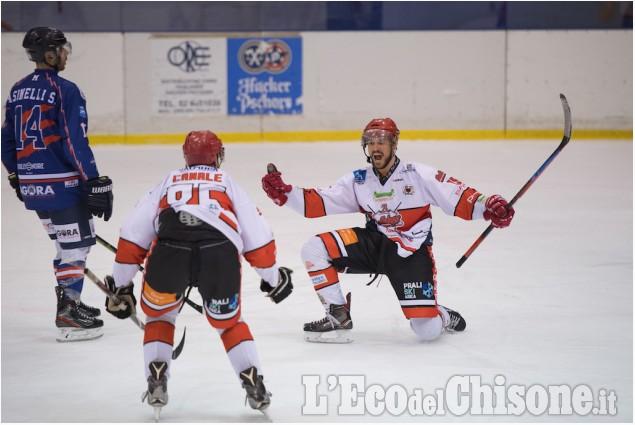 Hockey ghiaccio, la vittoria della Valpellice Bulldogs a Milano in Ihl1