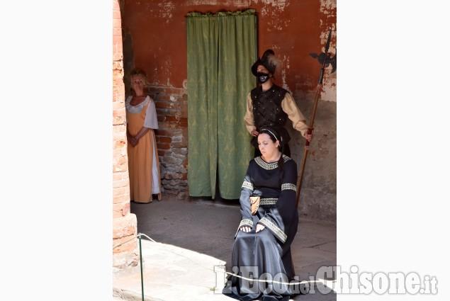Pinerolo Palazzo Acaja riapre le porte insieme all'Associazione Teatrale Mellon