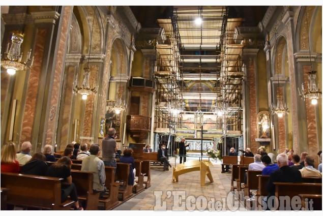 Buriasco, il nuovo altare realizzato dallo scultore Elio Garis