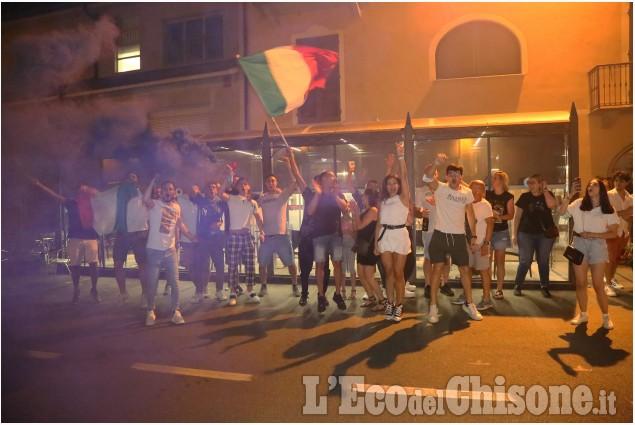 None: i festeggiamenti per la vittoria dell'Italia all'Europeo