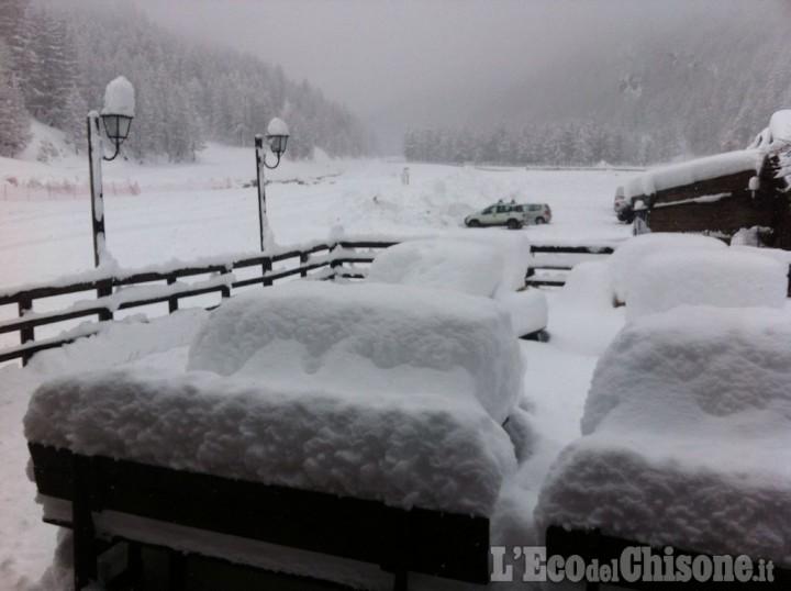 Neve e impianti aperti a Pragelato e sulla Vialattea. Pioggia a Pinerolo di nuovo sulle medie stagionali