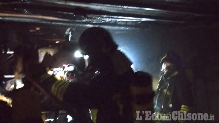 Cumiana: in fiamme la caldaia di un'abitazione, Vigili del fuoco in azione