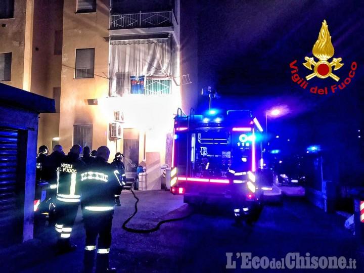 Orbassano: incendio nella notte in una pizzeria di strada Volvera