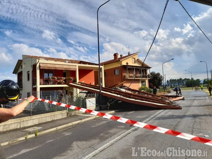 Cercenasco: in via Umberto tetto divelto dal forte vento durante un violento temporale