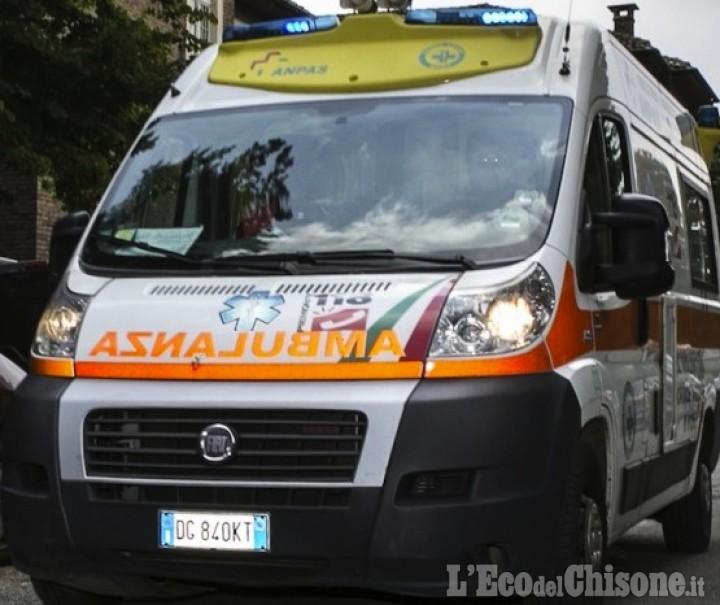 Coazze: ferito da un albero che stava abbattendo, boscaiolo in ospedale