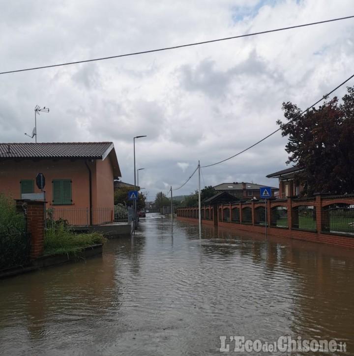 Nubifragio a Cardè: strade e case allagate