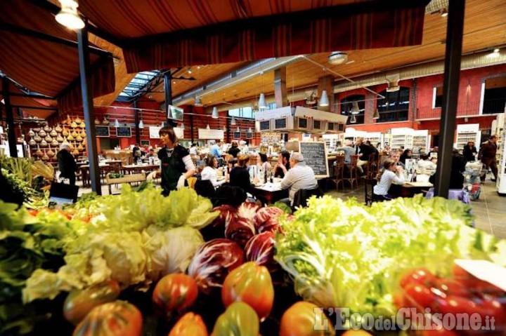 Mercato dei prodotti locali con Slow Food nel parco di Eataly
