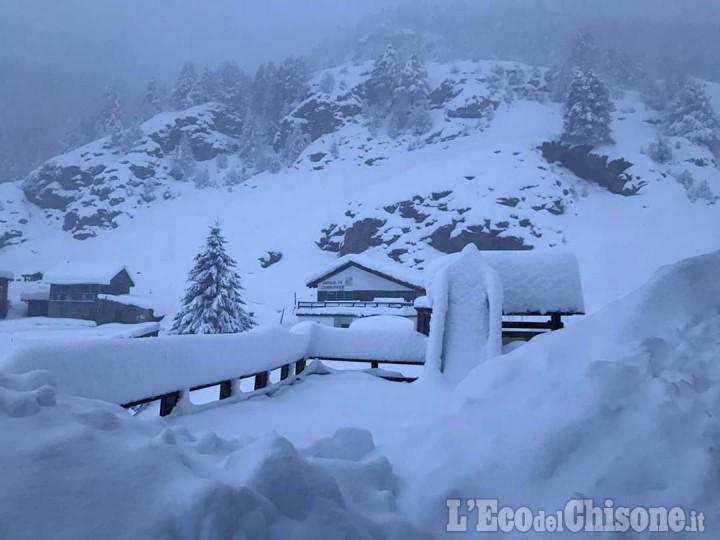 Allerta meteo in Val Pellice: Coc aperti, annullato il mercatino a Lusernetta