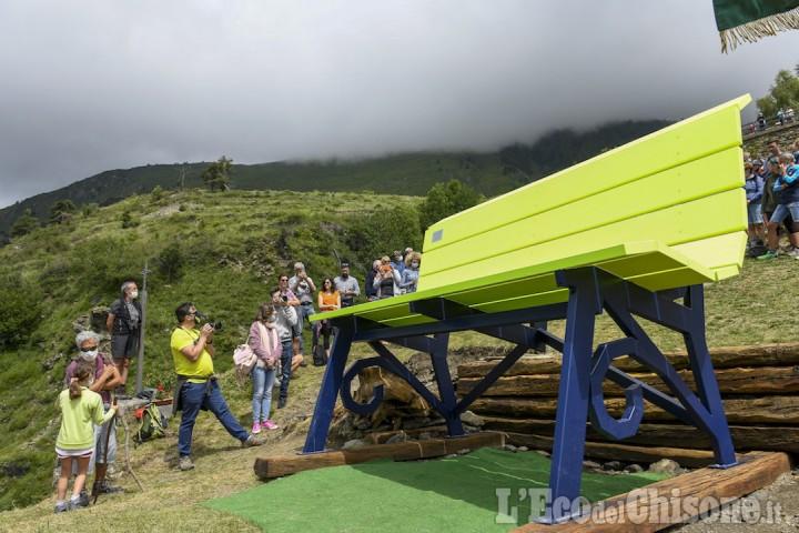 Fenestrelle: festa per il primo compleanno della panchina gigante di Pequerel