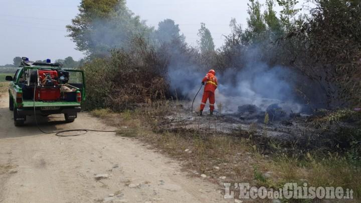 Bricherasio: fiamme lungo il Pellice