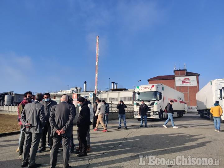 Raspini allontana la cooperativa: fine dello sciopero