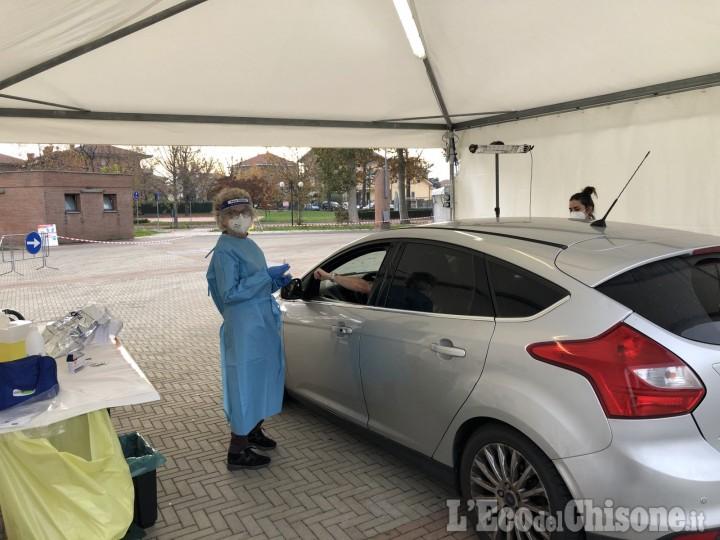 Rivalta: in piazza Gerbidi oltre 800 vaccinazioni antinfluenzali senza scendere dalla propria auto