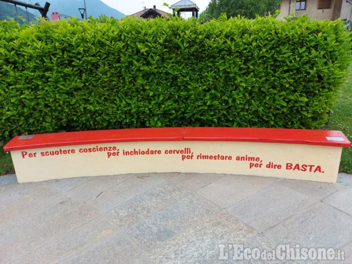 Anche a Inverso Pinasca una panchina rossa contro la violenza sulle donne