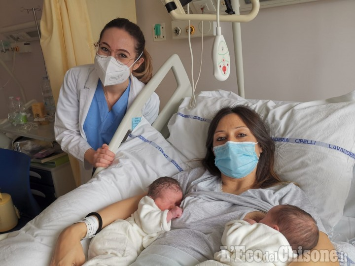 """Boom di nascite al """"Civile"""" di Pinerolo, in due ore nate cinque bambine"""