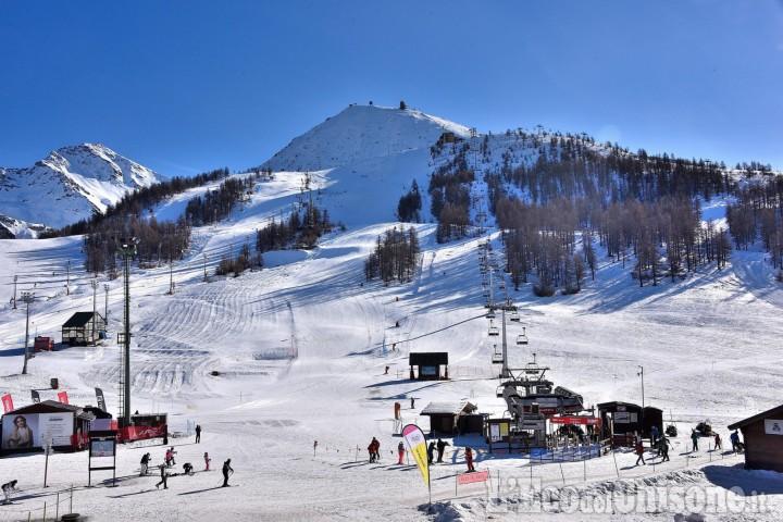 Inverno con poche precipitazioni, ma sulla Vialattea si continua a sciare