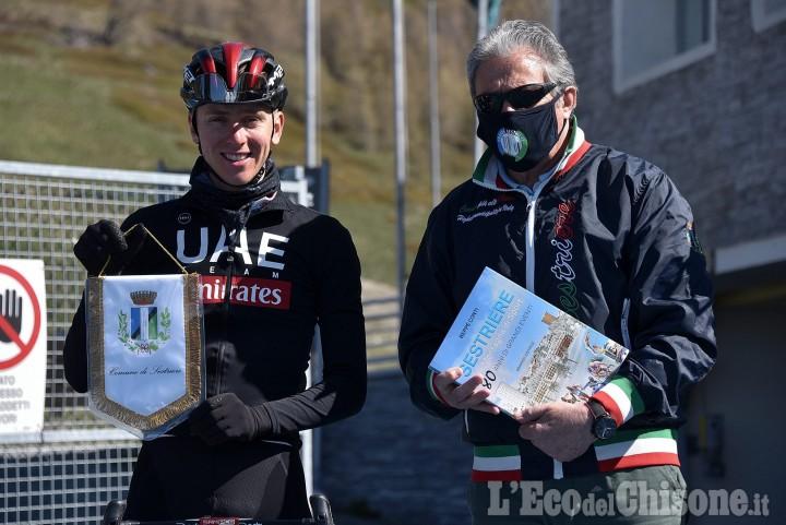 Ciclismo, riecco Pogacar in allenamento a Sestriere per preparare il bis al Tour