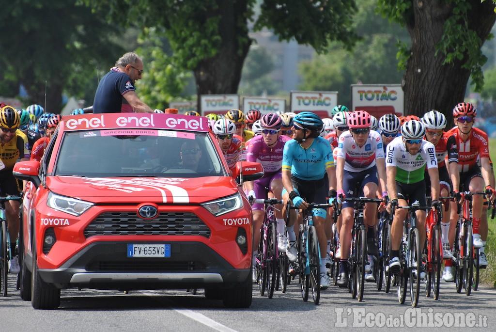 Giro d'Italia: Carapaz vince la 14ma tappa e conquista la maglia rosa