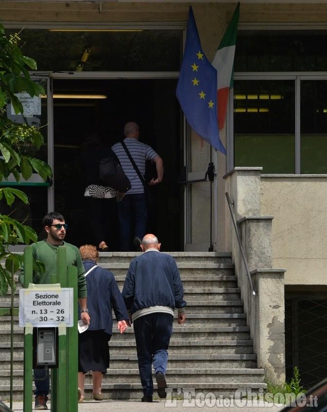 Referendum: si vota solo oggi. Urne aperte fino alle 23