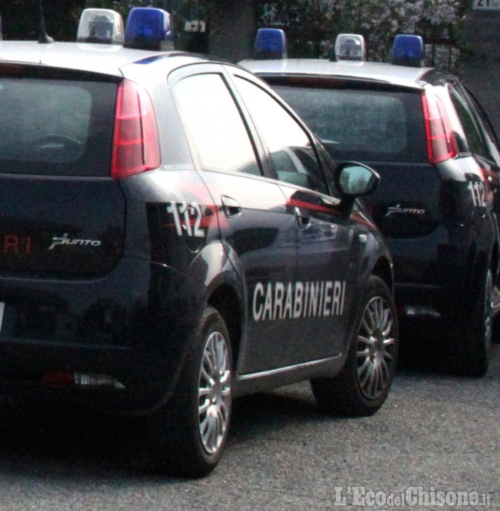 Torino, lite in tangenziale: automobilista protesta per un sorpasso azzardato, accoltellato