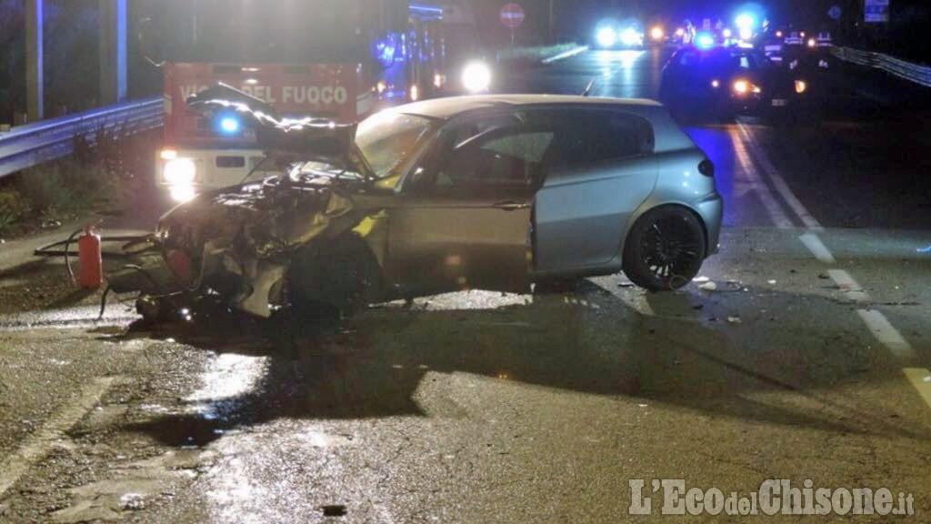 Positivo all'alcol test si schianta contro un'auto: morta 20enne, grave l'amica