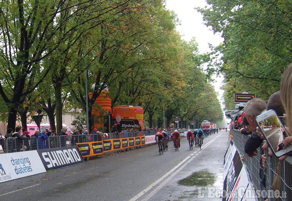 Colbrelli imbattibile sotto la pioggia, vince la Gran Piemonte