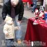 Foto Gallery: Nichelino: Babbi Natale e mercatino