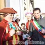 Foto Gallery: Pinerolo consegna delle chiavi della città a Gianduja