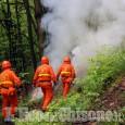 Incendio a San Germano Chisone contenuto dai volontari Aib