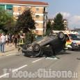Piossasco: urta contro un'auto in sosta e poi cappotta, ferite due donne
