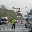 Rivalta: con l'auto urta un ciclista, 74enne trasportato al Cto