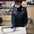 Rivalta: tenta di uccidere il padre con una zappetta da giardino, 44enne arrestato dai carabinieri